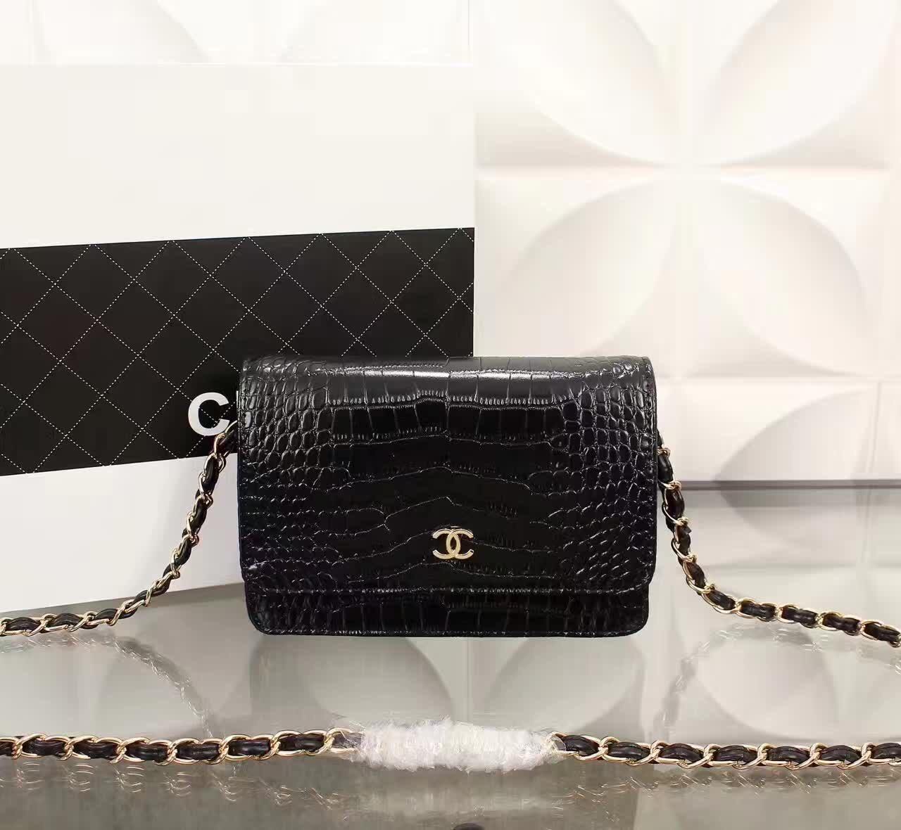 f31ee7cbbc95 Chanel Real Shot 17cm mini flaplambskin Chanelhandbags