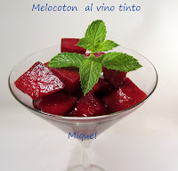 Melocotones al vino tinto