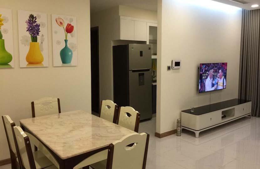 Cho thuê 2 phòng ngủ tầng cao tòa nhà P7 khu Vinhomes Central Park