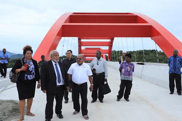 Gubernur Madang Kagum dengan Pembangunan Papua