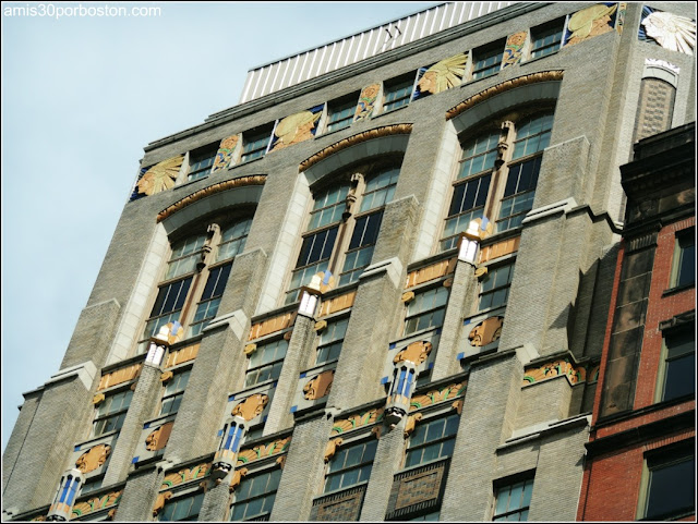Fachada del Home Saving Bank en la Ciudad de Albany
