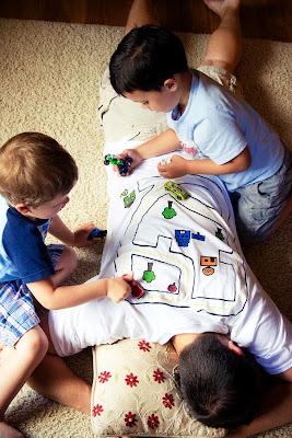 Una estrategia para descansar y jugar con tus hijos al mismo tiempo