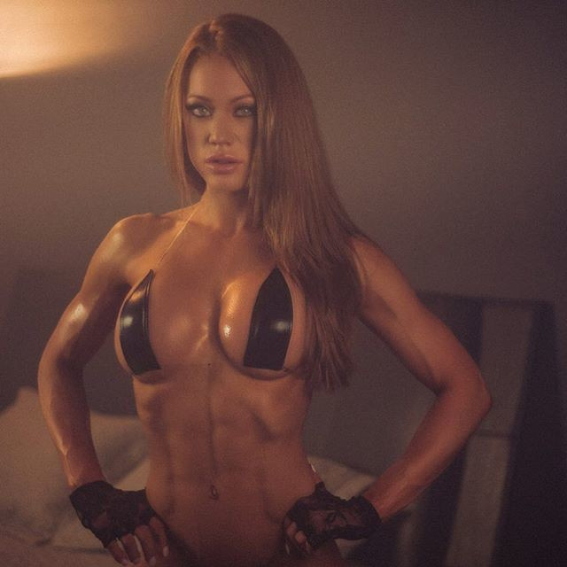 Fitness Model Samantha Skolkin Instagram photos