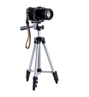 cavalletto treppiede per videocamera