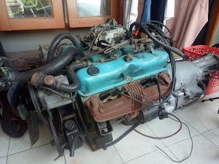 LAPAK Mesin Mobil TUA Small Block Dodge V8 plus Transmisi Matic