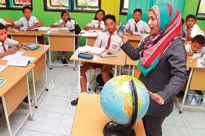 40 Jam di Sekolah Supaya Guru Fokus Mengajar