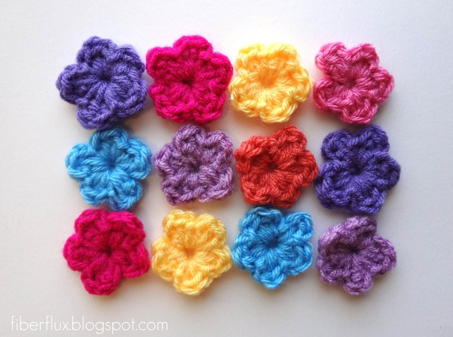 Fiber Flux: Free Crochet Pattern...One Round Flowers