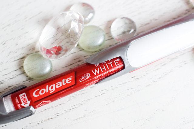 Colgate Max White Expert Whitening Stift