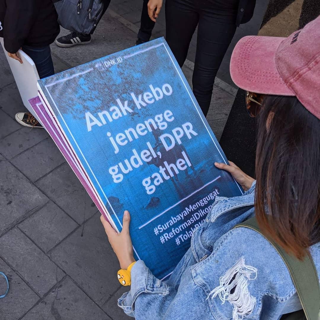 Kumpulan Poster Demo Mahasiswa Lucu