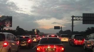 Contra Flow Jakarta-Cikampek Dihentikan Menyusul Penurunan Volume Kendaraan