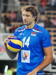 gilberto godoy filho amauri de yang dikenal sebagai giba lahir 23 desember 1976 di londrina adalah seorang profesional brasil pemain bola voli