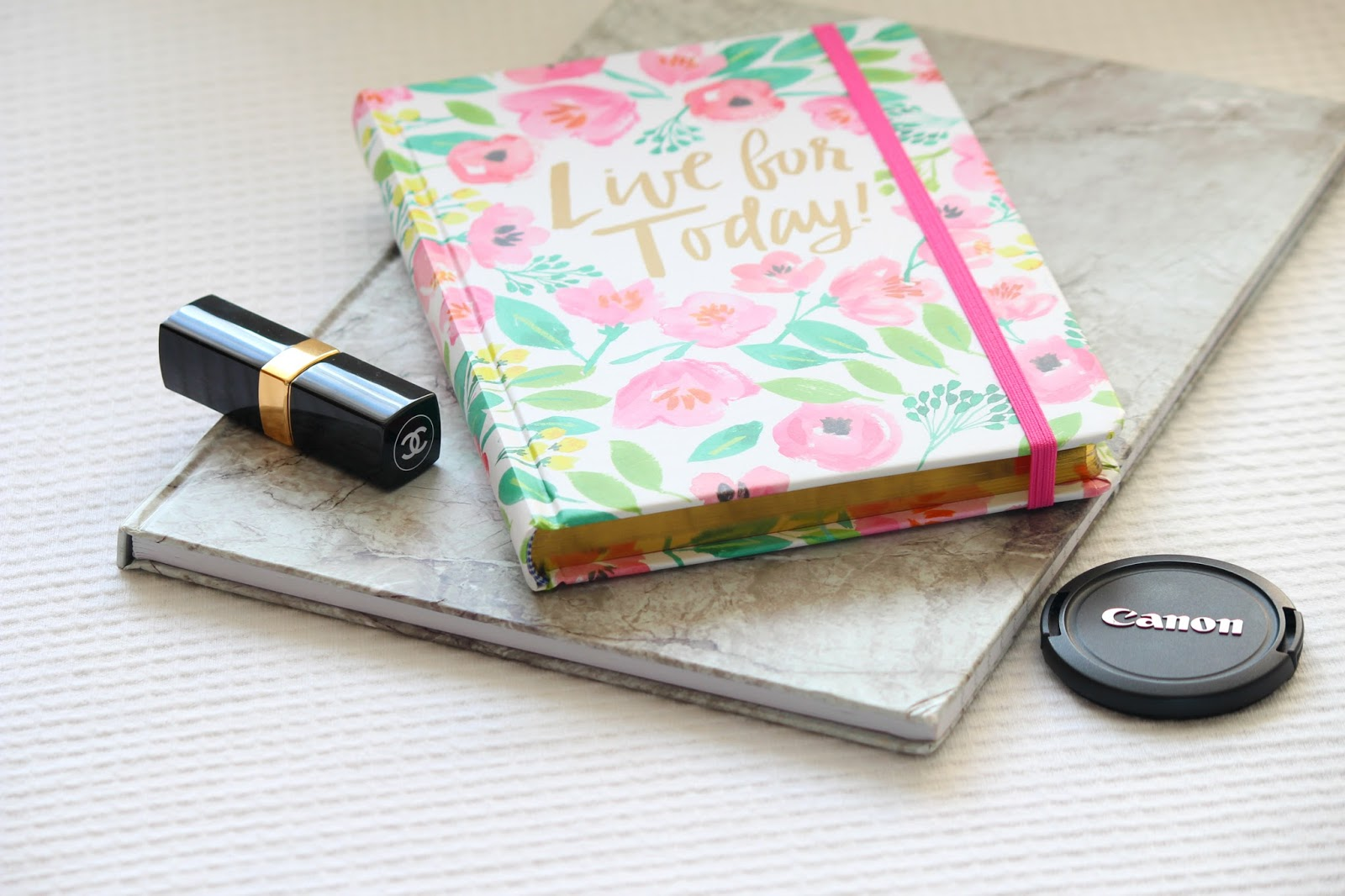 Lifestyle blog thrifty vintage fashion pretty notebooks