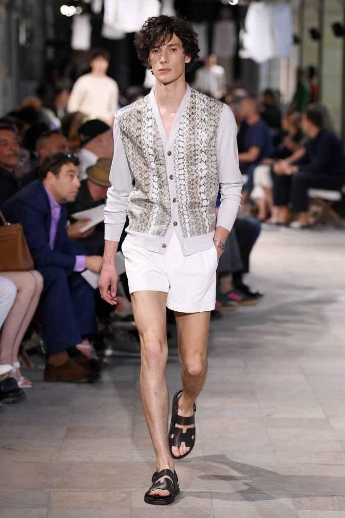 herm s spring summer 2019 paris fashion week male. Black Bedroom Furniture Sets. Home Design Ideas