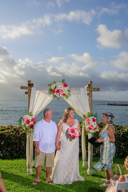 maui weddings, maui wedding arches, maui wedding huppas, maui wedding florals, maui beach weddings, maui wedding planners, maui wedding coordinators