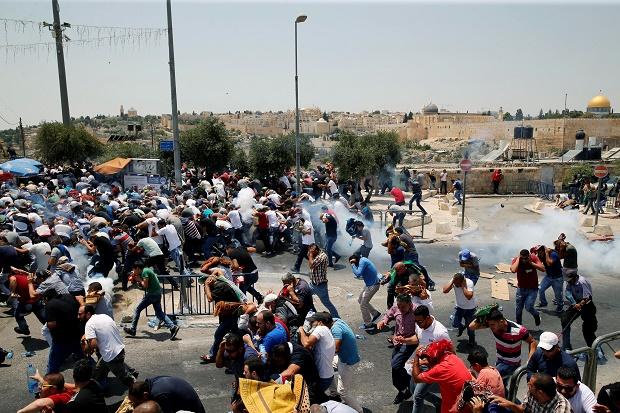 Bentrokan dengan Militer Israel, 97 Warga Palestina Terluka