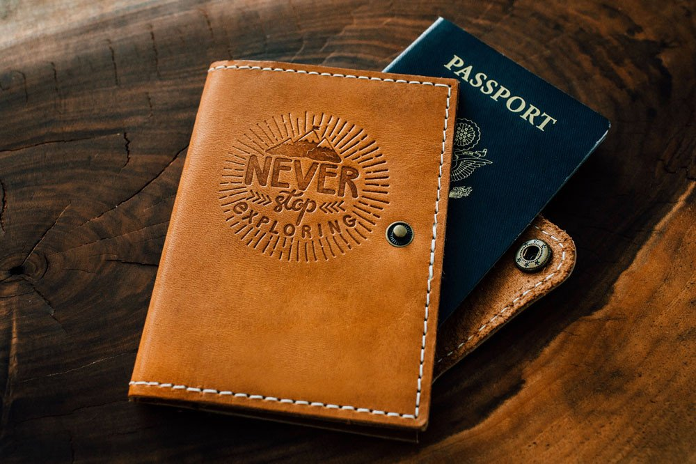Travel Passport Holder | Portland Leather Goods | Wanderlust gift | The Wanderful Soul Blog