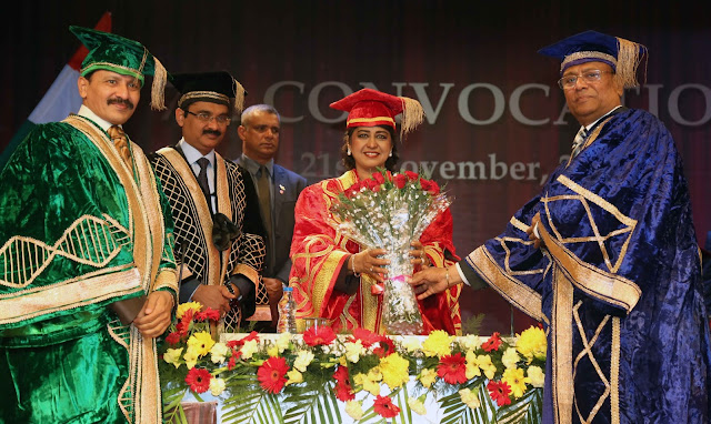 Lovely Group Chairman Sh Ramesh Mittal, Vice Chairman Sh Naresh Mittal, LPU Chancellor Ashok Mittal giving bouquet to HE Dr Ameenah Gurib-Fakim, President of the Republic of Mauritius at LPU