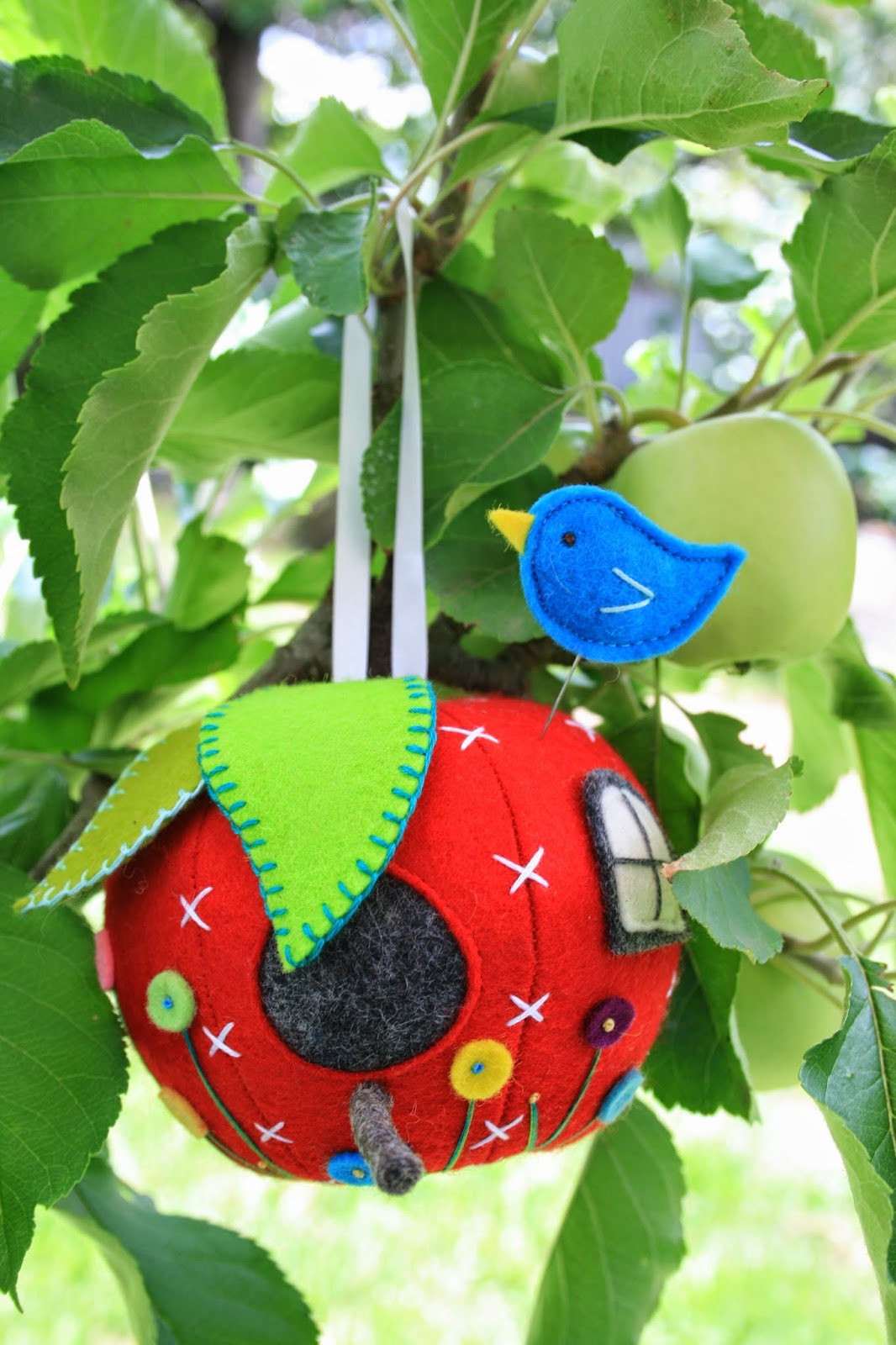 apple house pin cushion