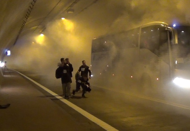 Penelitian Pedestrian Behavior During Evacuation from Road Tunnel in Smoke Condition
