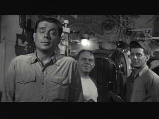 Hellcats of the Navy 1957 movieloversreviews.filminspector.com Ronald Reagan