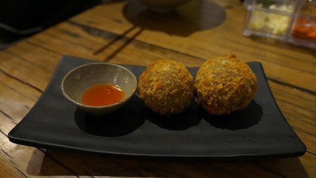 Bola keladi di Mato Restoran Jepang