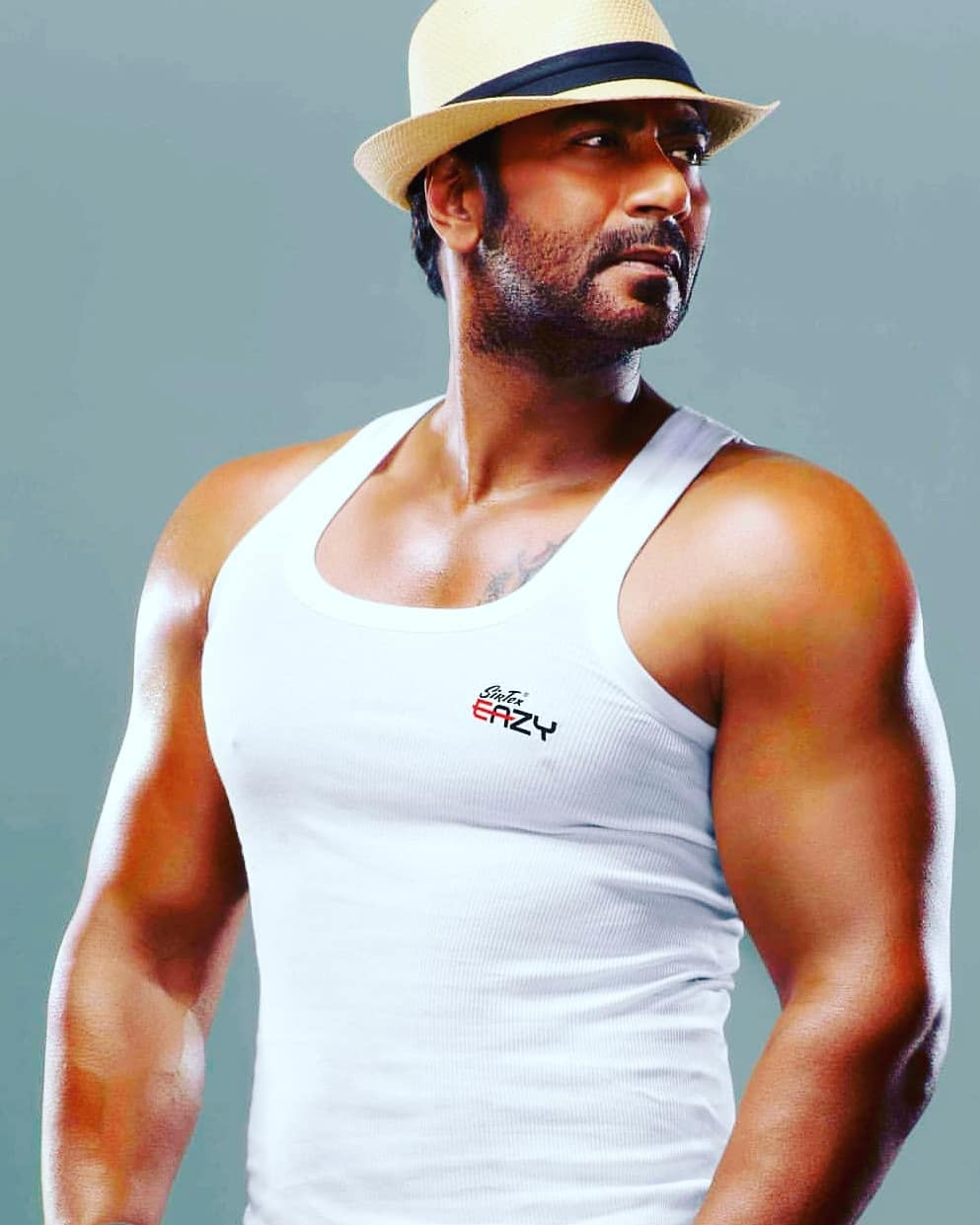 Ajay Devgan Picture | Ajay Devgan Pic - HD Actress Photo