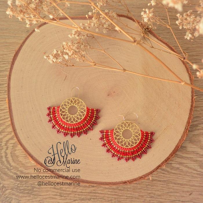Boucles d'oreilles mandalas dorées et rouges tissées en perles Miyuki delicas par Hello c'est Marine