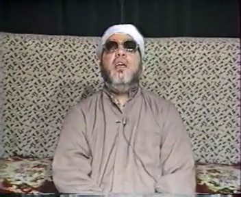 شاهد بعد 13 عاما من وفاة الشيخ كشك قاموا بفتح قبره لن تصدق ما رأوه