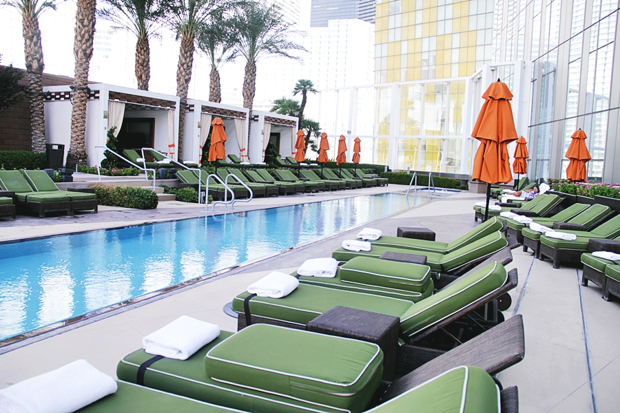 pool the strip las vegas spa
