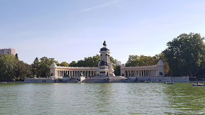 parco con lago