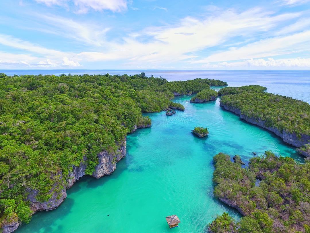 obyek wisata terlengkap: 8 Tempat Wisata Di Maluku Yang Memukau