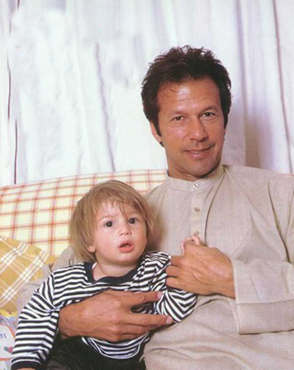 IMRAN KHAN: IMRAN KHAN WITH HIS SONS