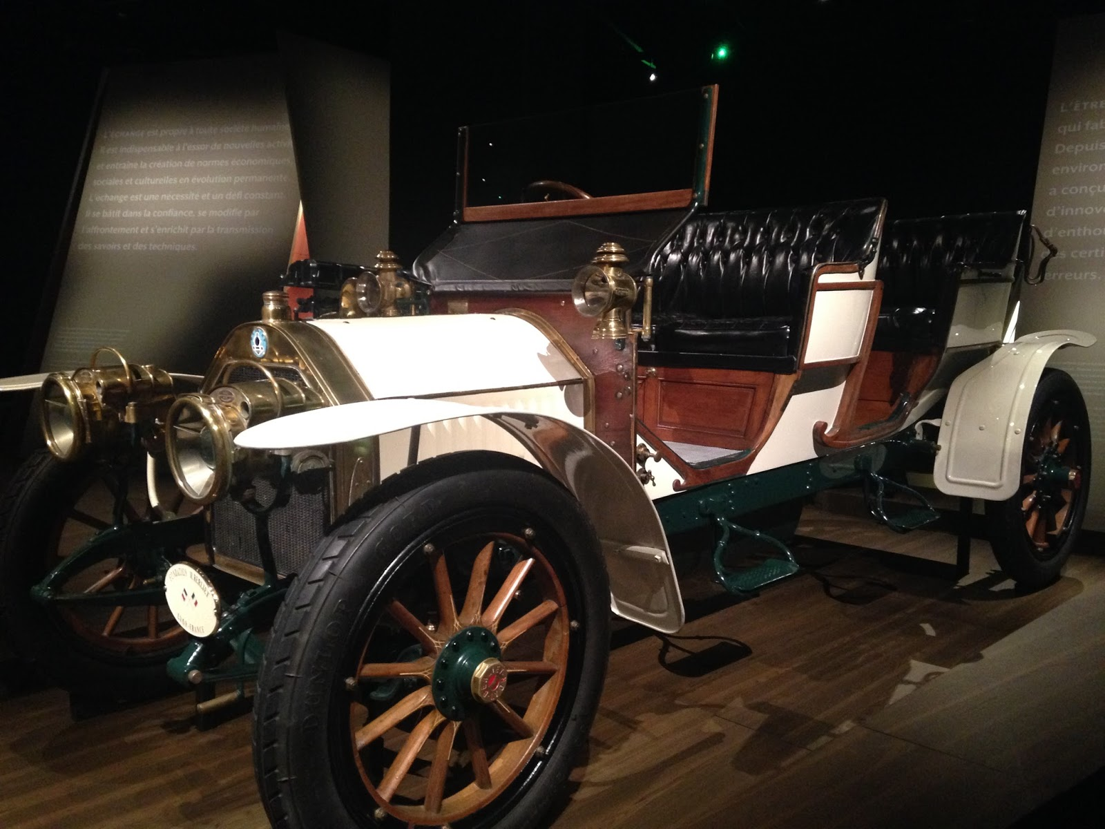 Musée des Confluences voiture Berliet