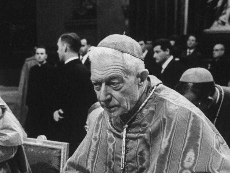 "Cardeal Achille Liénart, um dos líderes da ala ""progressista"" no Concílio Vaticano II"