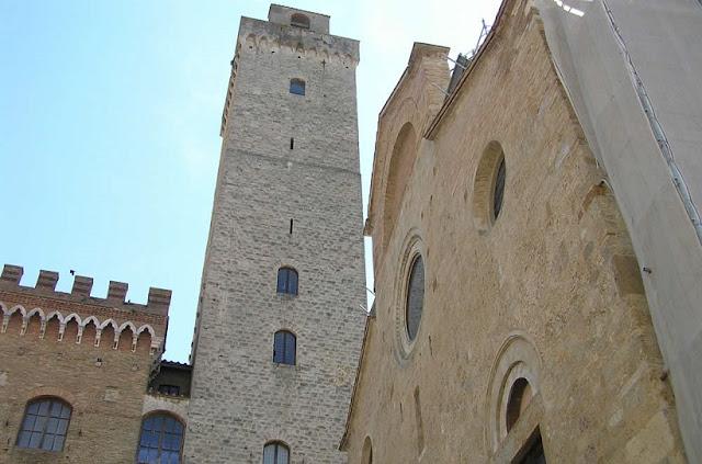 Informações sobre a Torre Grossa em San Gimignano