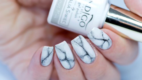 Nail Art Essentials Realistic Marble Nails Trending Manicure Design