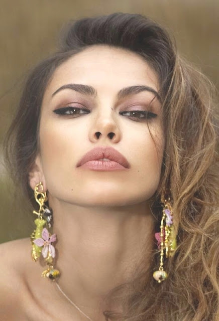 Images Of Romanian Women 34