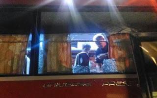 Suporter Vietnam Serang Bus Timnas Indonesia