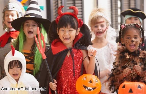 Niños celebran Halloween