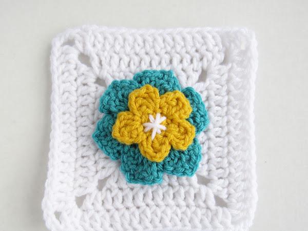 Flower Granny Square - Free Applique and Granny Square Crochet Pattern
