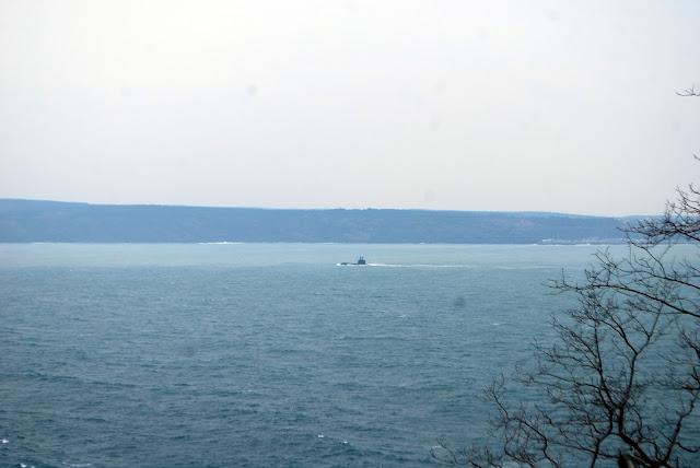 Подводная лодка у входа в Босфор. Турция.