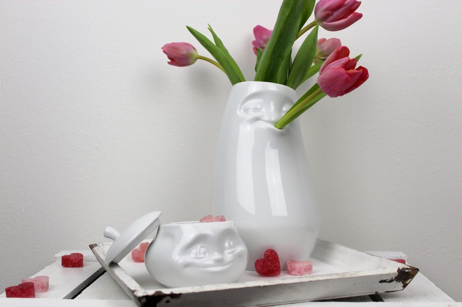 Süßes Geschenk zum Valentinstag: DIY Zuckerherzen rosa selber machen + Gewinnspiel