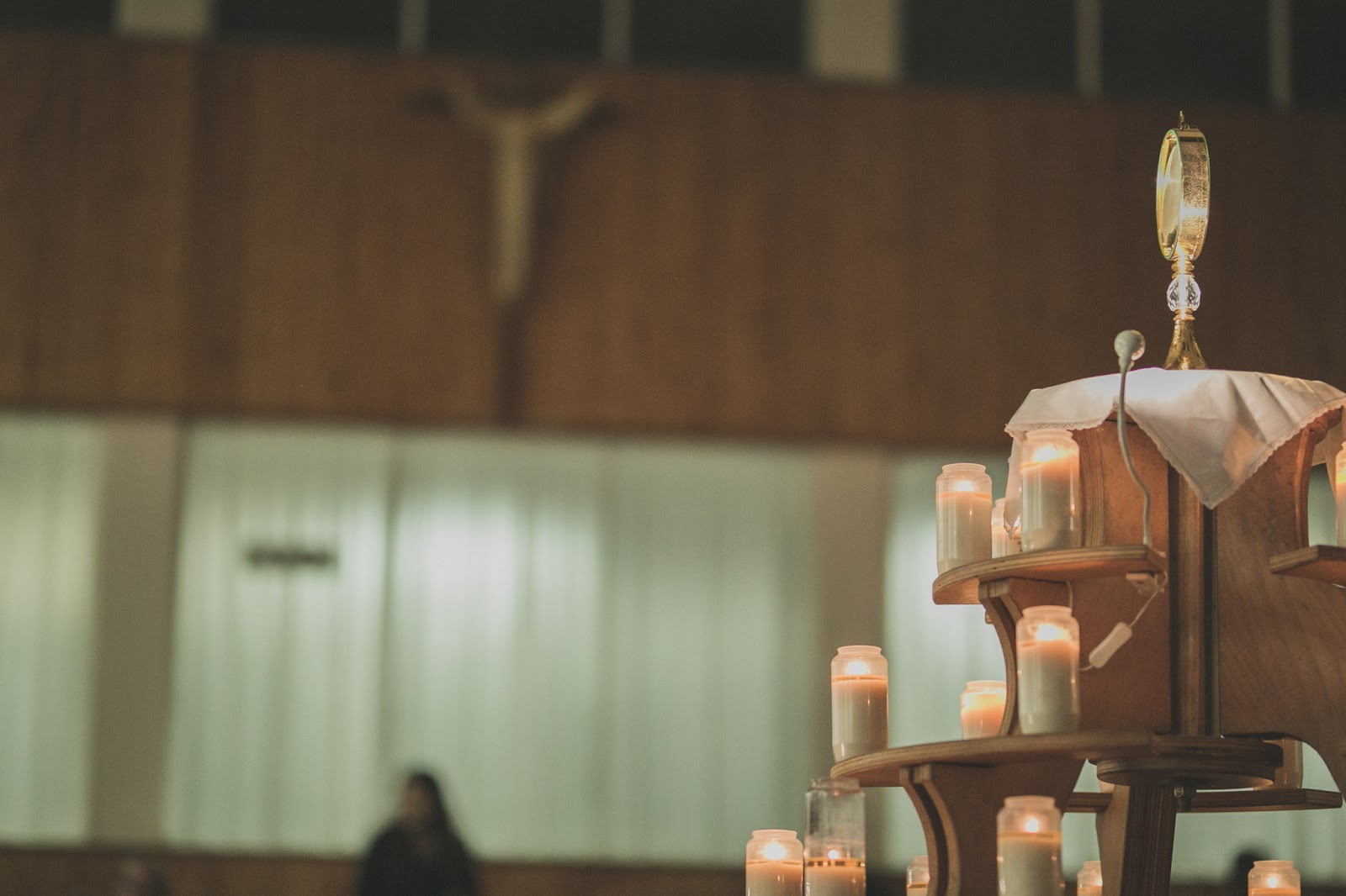 Dwelling in the Eucharist: The Architecture of Salvation