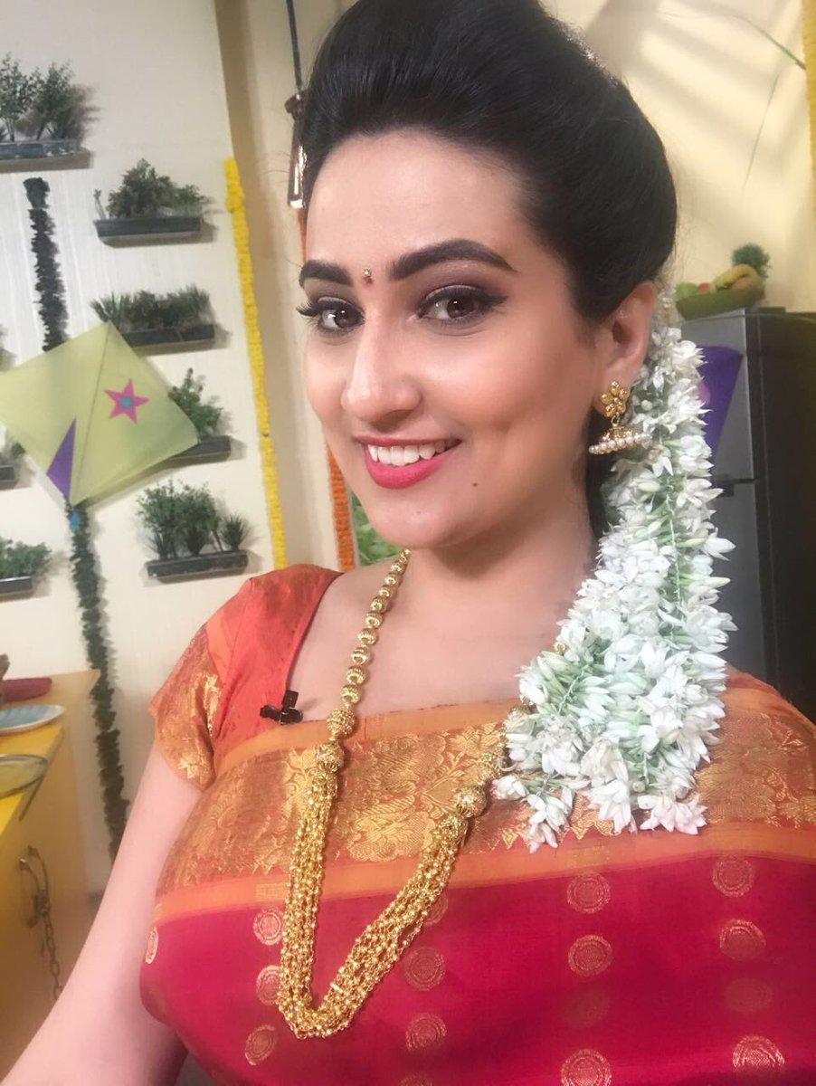 Anchor Manjusha Latest HD Images