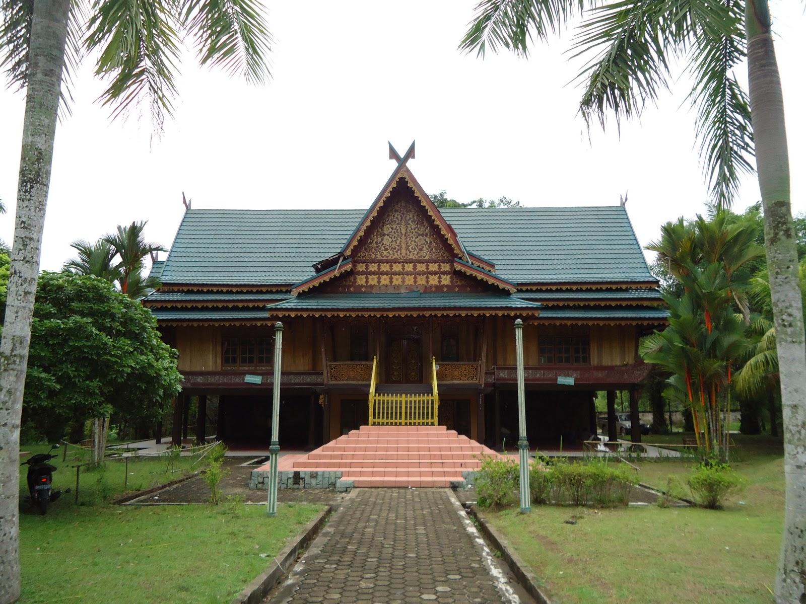 Foto Rumah Adat Jambi ~ Roni Zone