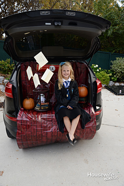 Harry Potter Book Trunk : Housewife eclectic harry potter trunk or treat with free