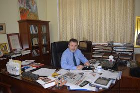 Ένας καλλιτέχνης που ζει στην Πιερία «ΑΓΓΙΖΕΙ» την Παγκοσμιότητα! Ο Παγκόσμιος Οργανισμός της Unesco βραβεύει τον Άρχοντα Αγιογράφο του Πατριαρχείου Αλεξανδρείας κ. Κωνσταντίνο Ξενόπουλο.