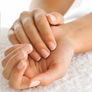 File:Apply Shining Nails And Healthy Skin.svg