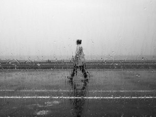 Γιατί οι φίλοι της βροχής είναι πιο ευτυχισμένοι