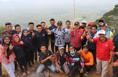 Bupati Lambar Kunjungi Wisata Gunung Temiangan atau Lebih Dikenal Dengan Temiangan Hill